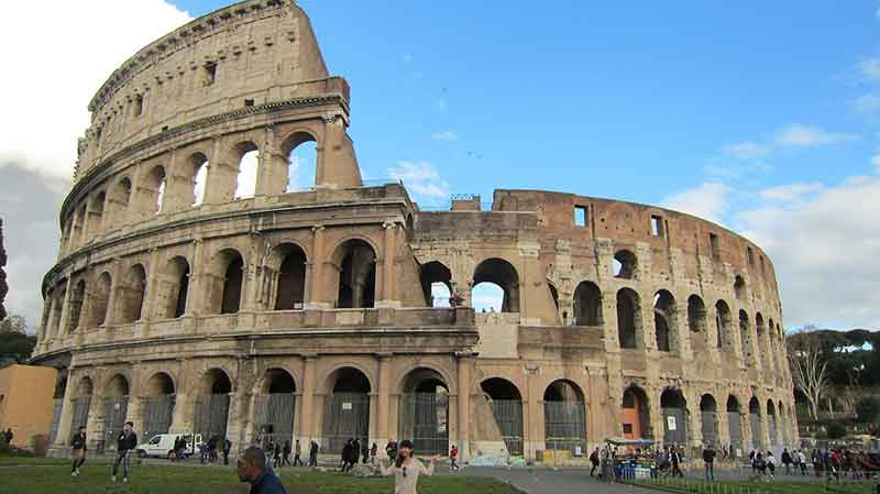 Travel through the Po River valley and Tuscany to reach Rome, the eternal city, regarded as one of the world's most beautiful ancient cities