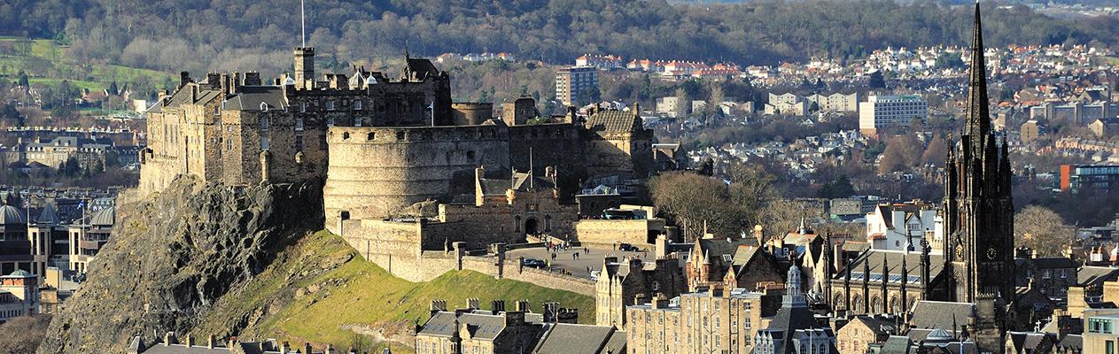 3-Edinburgh_Castle_Rock-1112