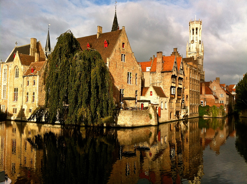 Step back in time in Bruges and discover the most delightful little city of canals and bridges, medieval Flemish architecture and higgledy-piggledy