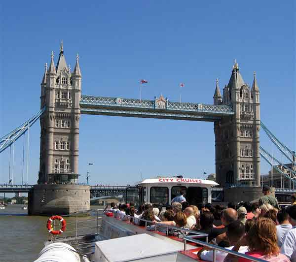 Enjoy a memorable cruise down the River Thames