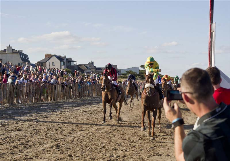 Experience the 148th running of Laytown Strand Races, the only race event run on a beach under the Rules of Racing