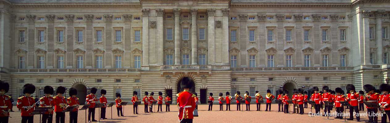 Buckingham-Palace-(1485-x-990)-Credit-VisitBritain--Pawel-Libera