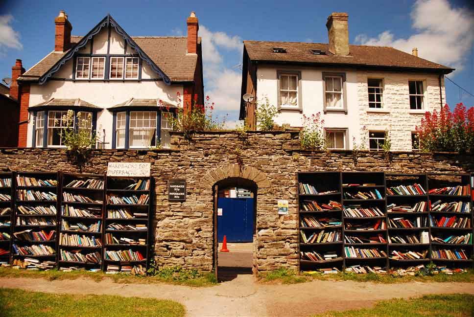 Hay on Wye the second hand bookshop village