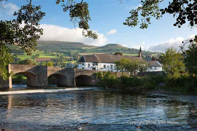 Admire the charming landscape of the Brecon Beacons and Snowdonia National Park