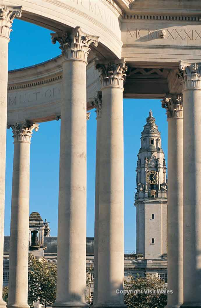 Cardiff - innovative architecture and historic buildings