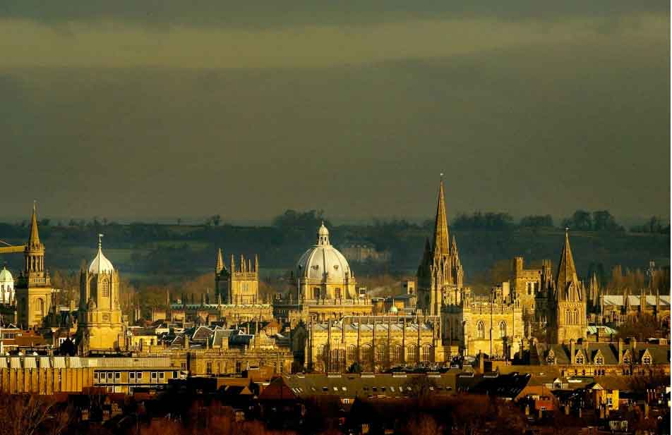 Visit Oxford - the 'city of dreaming spires'