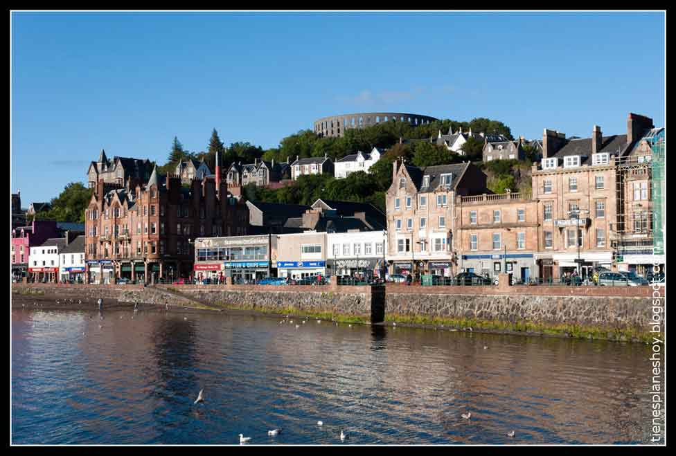 Overnight in Oban, the picturesque fishing village