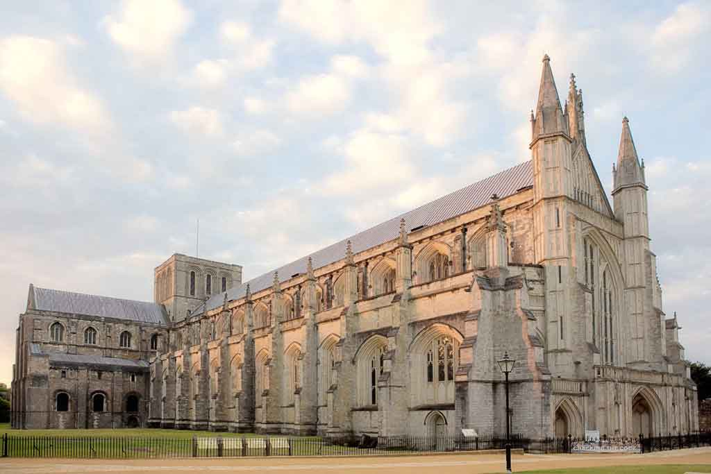Overnight in Winchester, the ancient Capital of Wessex