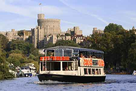 Experience unsurpassed views, superb live music, and exquisite, freshly prepared modern British cuisine on a Thames dinner cruise