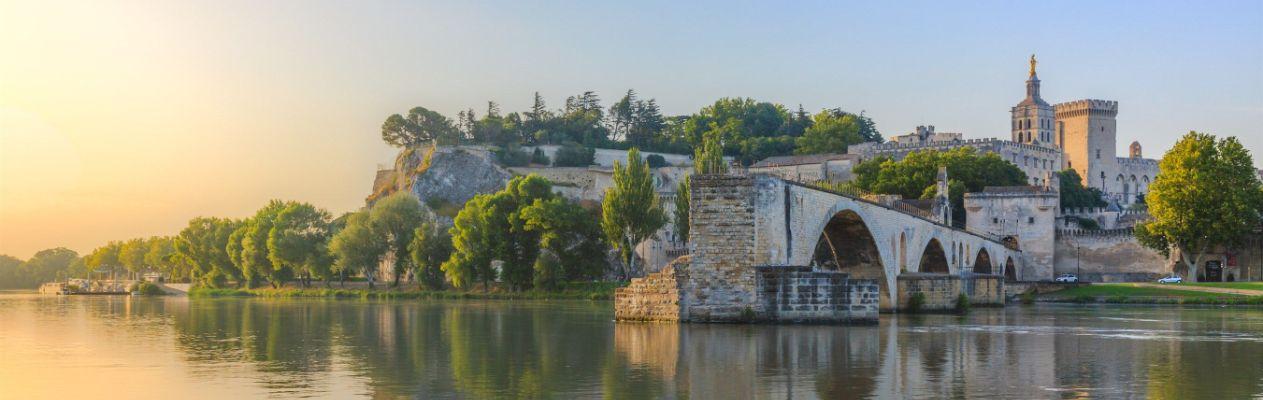 Saint-benezet_in_southeastern_Avignon 111 Banner