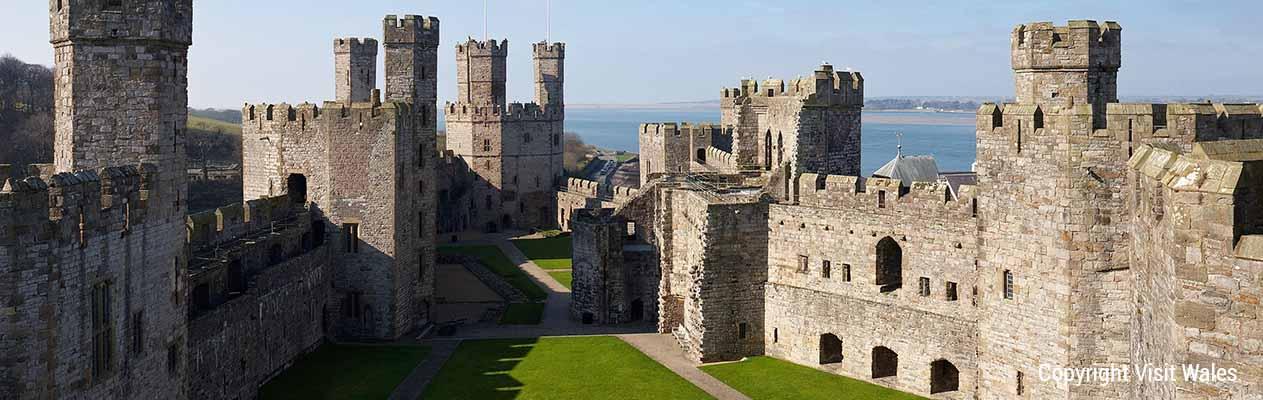 tmt_0017_14 Caernarfon Castle NVW-C77-1011-0036-A5W © Banner 3 Copyright Visit Wales 2CC