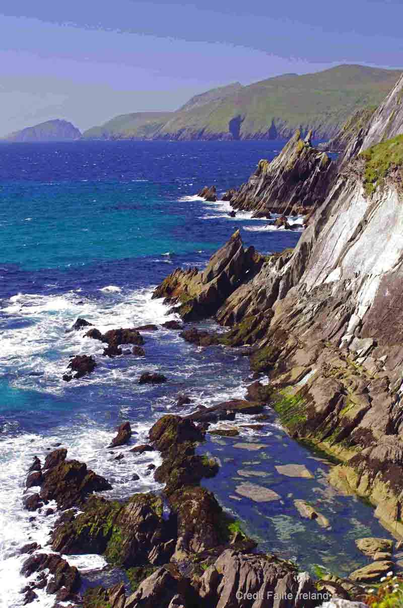 <b>Ring of Kerry</b> - one of Europe's most famous drives offering spectacular scenery