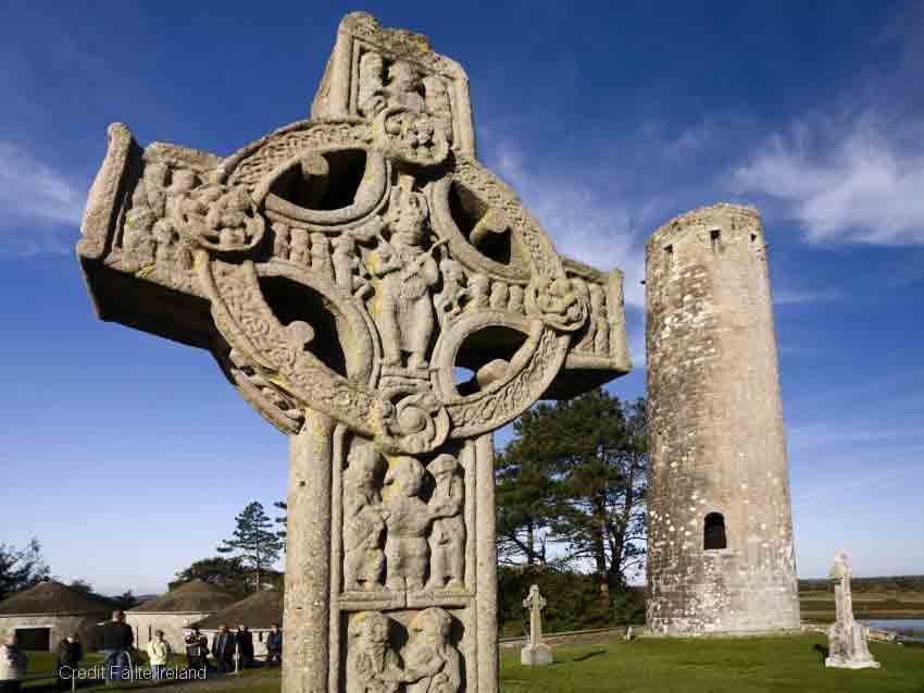<b>Clonmacnoise</b> is one of the most rewarding ecclesiastical sites in Ireland