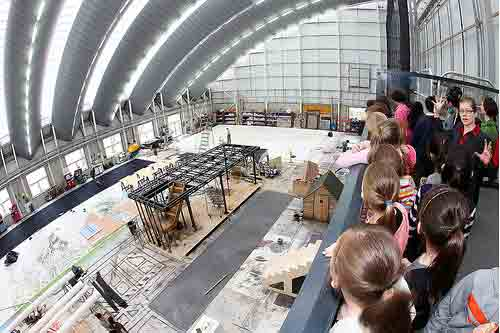 Thurrock Tour (Royal Opera House production workshop tour) Discover the fascinating world of the scenic artists and craftspeople who create stunning sets  for the Royal Opera House